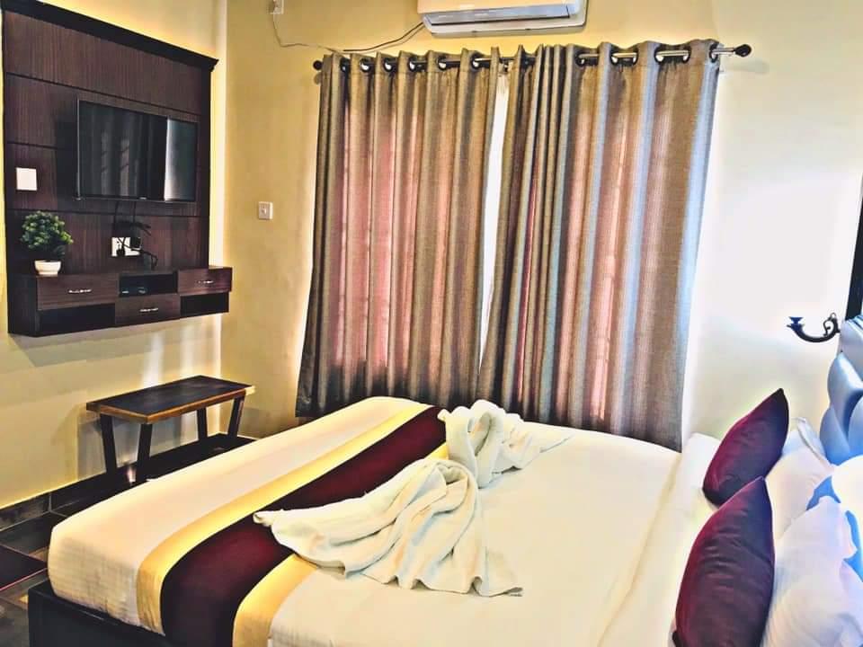 luxurious room at hotel the narayani